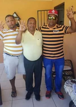 desde la izquierda, Rafael Mora, Gabriel Mora y Humberto Mora