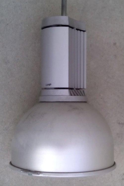 Làmpada al·lògena de ø32cm de segona mà a cabauoportunitats.com