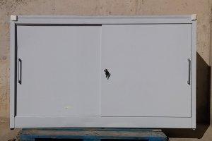 Armari metàl·lic amb porta corredissa de 160x42x103cm a cabauoportunitats.com