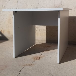 Taula d'escriptori 80x80cm d'ocasió a cabauoportunitats.com