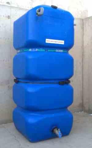 Depósito de agua potable 1000 litros 80x80x200cm de segunda mano en cabauoportunitats.com