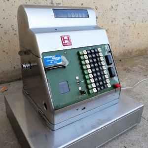 Caixa registradora d'acer inoxidable antiga de segona mà a cabauoportunitats.com Balaguer - Lleida - Catalunya