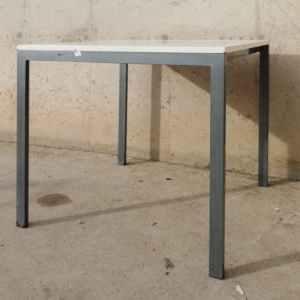 Taula blanca de 75x75cm de segona mà a cabauoportunitats.com Balaguer - Lleida - Catalunya