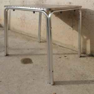 Taula d'acer inoxidable per a terrassa de segona mà a cabauoportunitats.com Balaguer - Lleida - Catalunya