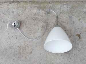 Lámpara blanca de segunda mano en buenas condiciones en cabauoportunitats.com Balaguer - Lleida - Catalunya