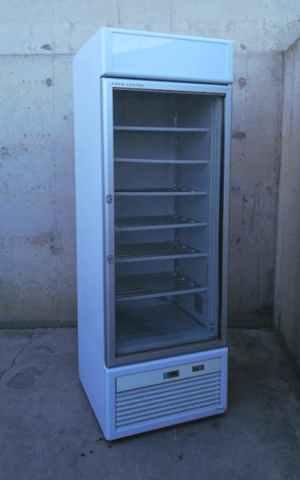 Congelador vertical con puerta de cristal ISA TORNADO de segunda mano en venta en cabauoportunitats.com Balaguer - Lleida - Catalunya