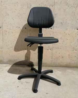Cadira giratòria de treball amb respatller nova en venda a cabauoportunitats.com Balaguer - Lleida - Catalunya
