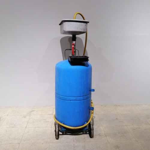 Recollidor d'olis per a taller de segona mà en venda a cabauoportunitats.com Balaguer - Lleida - Catalunya