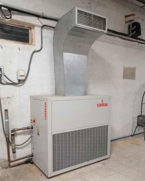 Equip de refrigeració aire-aigua CIATESA RXW 120 de segona mà en venda a cabauoportunitats.com Balaguer - Lleida - Catalunya