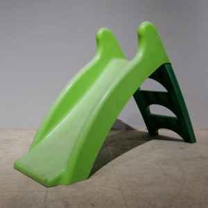 Tobogan de plàstic d'ocasió en venda a cabauoportunitats.com Balaguer - Lleida - Catalunya