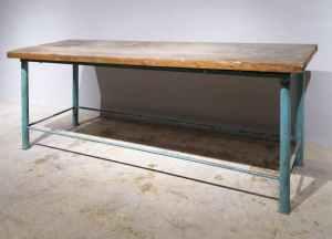 Banc de treball de tub d'acer i fusta de segona mà en venda a cabauoportunitats.com Balaguer - Lleida - Catalunya