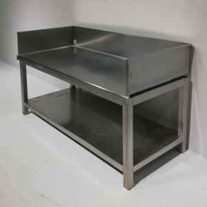 Taula d'acer inoxidable de segona mà en bon estat en venda a cabauoportunitats.com Balaguer - Lleida - Catalunya