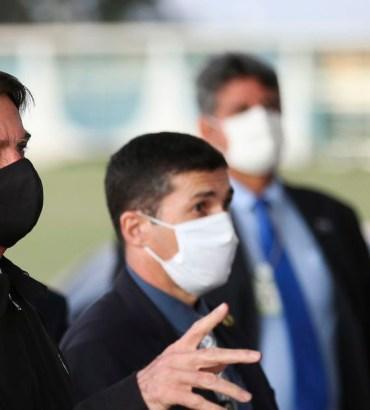 Bolsonaro confirma teste positivo para Covid-19