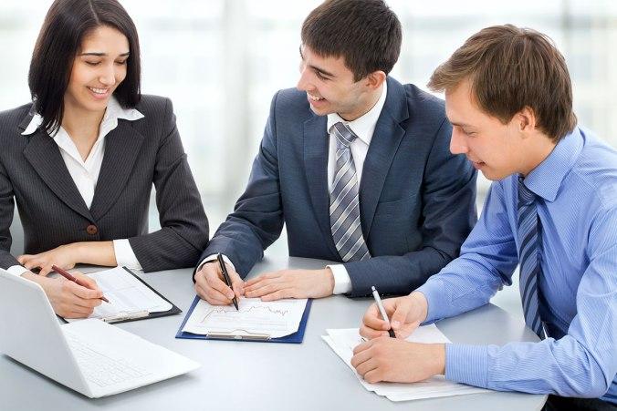 reunion-femme-homme-travail
