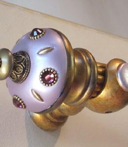Susan Goldstick Decorative Finials Isabella II - Shell / Bronze