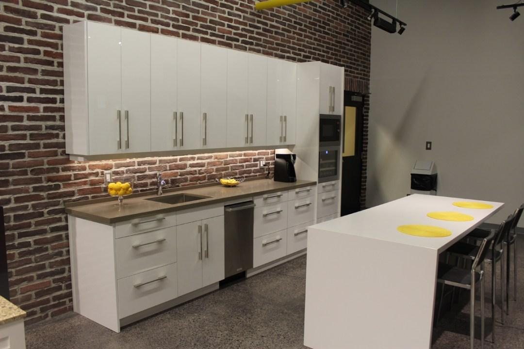 Urban High Gloss White Kitchen