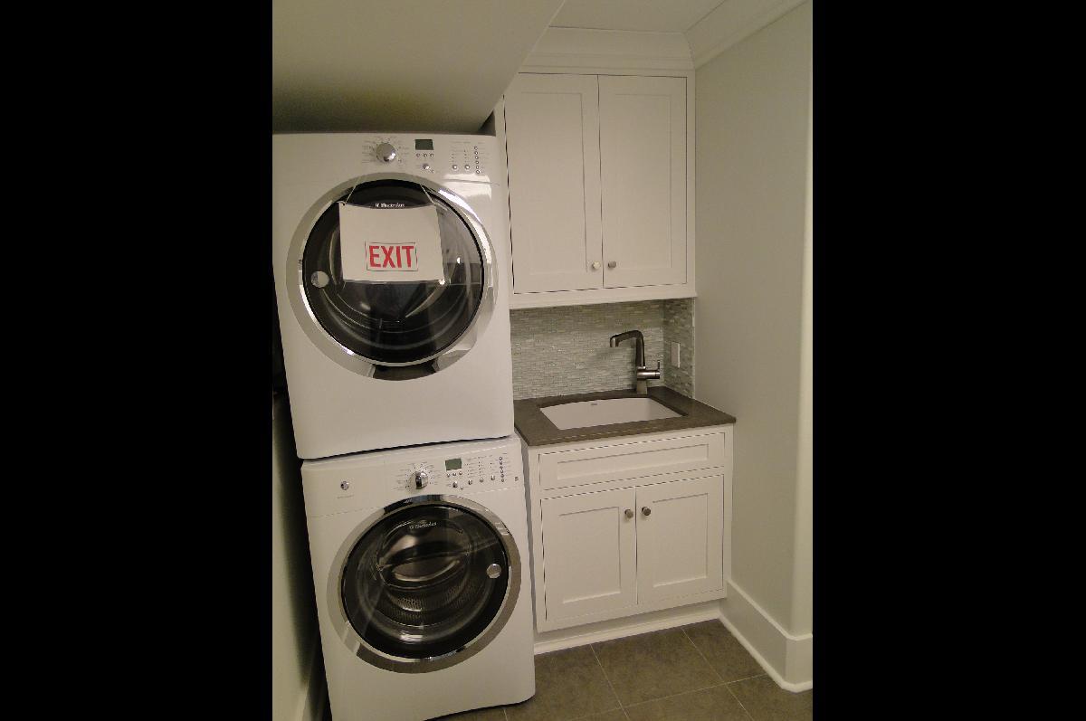 Laundry Room Cabinet Design Ideas - Cabinet Tree   Cabinet ... on Laundry Cabinet Ideas  id=61693