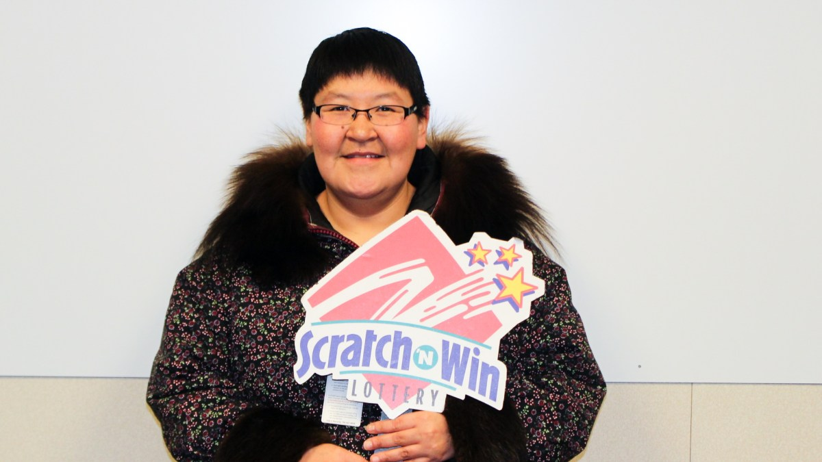 Ulukhaktok woman wins $250,000 from scratch ticket