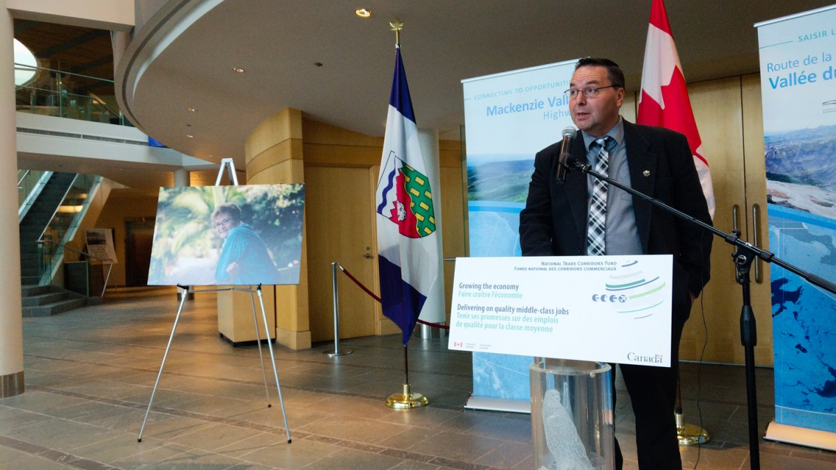 NWT's Mackenzie Valley Highway gets $100M in federal funding