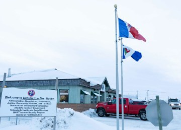 A file photo of the Deninu Kue First Nation office in Fort Resolution in December 2018. Sarah Pruys/Cabin Radio