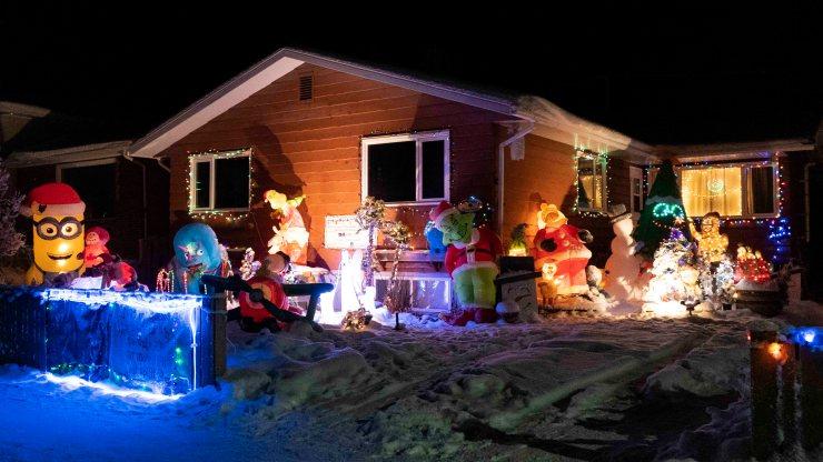 Yellowknife Christmas lights: The gang's all here on 54 Street