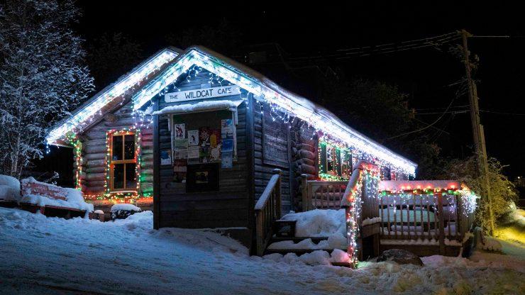 Yellowknife Christmas lights: A very Wildcat Christmas
