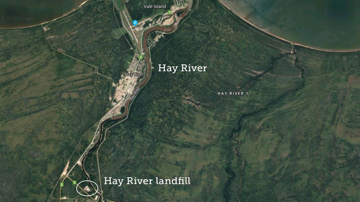 Air quality warning issued for Hay River landfill fire