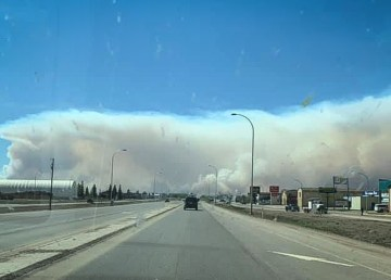 An image of the High Level wildfire on Monday afternoon, pictured by NWT resident Amanda Grobbecker-Kresky