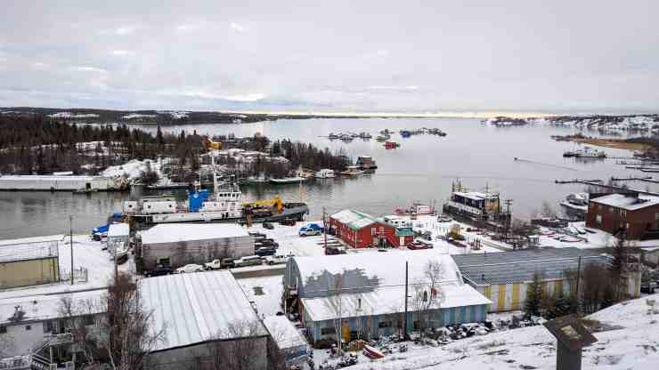 Nahidik docked in Yellowknife Bay