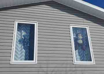 People in Yellowknife are placing teddy bears, and other stuffed critters, in their windows as part of a bear hunt