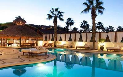 hotles and rental villas in cabo san lucas, bahia hotel pool