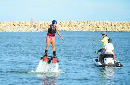 flyboard los cabos is the latest craze and the newest activity to do on the beach of cabo San Lucas, cabo flyboards