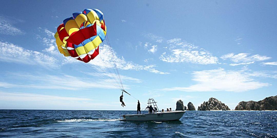 parasailng-boat