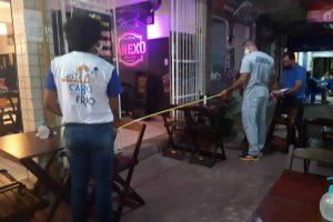 Nova-operacao-de-ordenamento-autua-mais-16-bares-e-restaurantes-na-Rua-Porto-Alegre