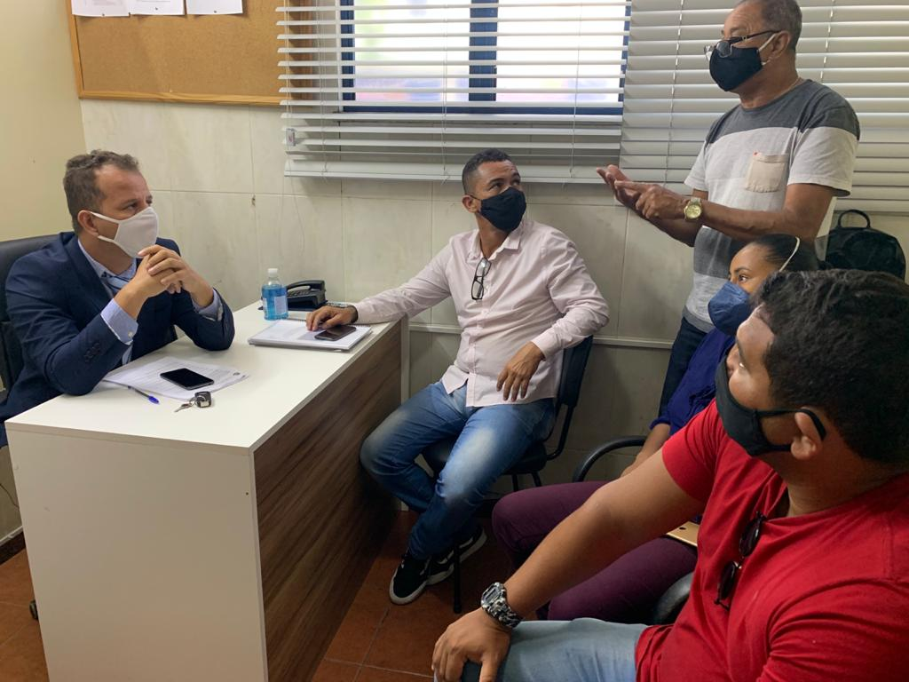 Vereador Douglas Felizardo recebe sindicalistas