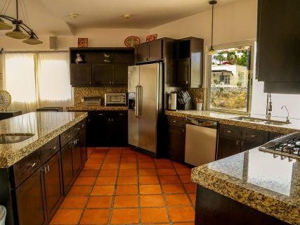 casa gran fiesta in Pedregal Los Cabos kitchen