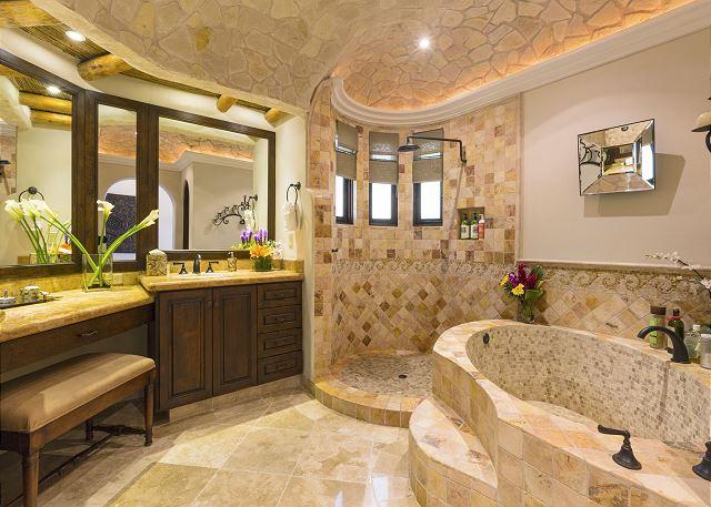 Casa Sahuaro en Cabo del Sol Luxury Rental Villas in Cabo San Lucas master Bathroom