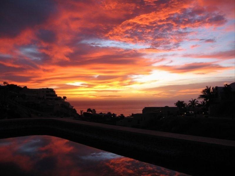 sunrise-ove-pool