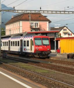 RBDe 560 im Bahnhof Brunnen