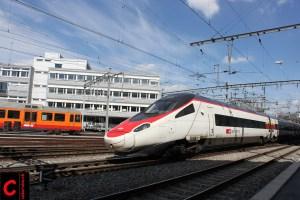 SBB RABe 503 013 als EC Zürich HB–Milano Centrale auf SZU-Ausflug im Bahnhof Zürich-Giesshübel