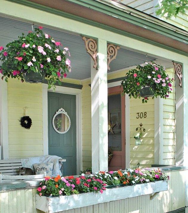 Farmhouse Porch Decorating Ideas - Country Cottage Plant Box & Hangers - cabritonyc.com