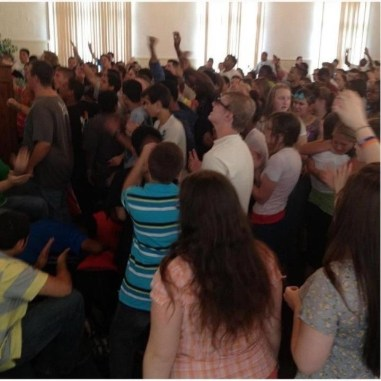 Zach-Miracle-01-word-spread-students-pray-at-VA-UPCI-youth-camp