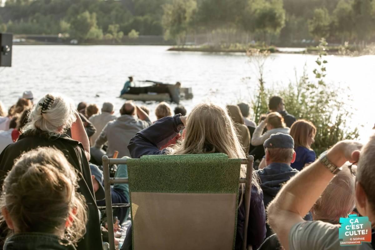 Le PianO du Lac, concert flottant à Rieulay (59) © Sophie Grattepanche