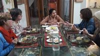 Authentic Indian Meal with a Local Family in Agra