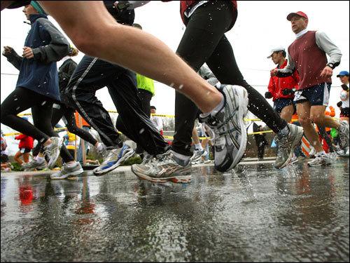 Runners made their way through Ashland.
