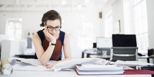 """Résultat de recherche d'images pour """"une femme au travail"""""""