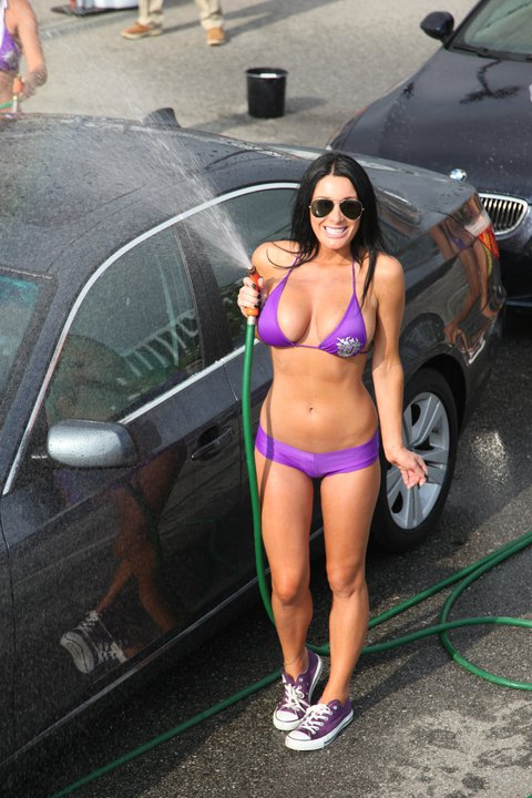 Saints Row The Third Keeps E3 Classy With A Bikini Car Wash