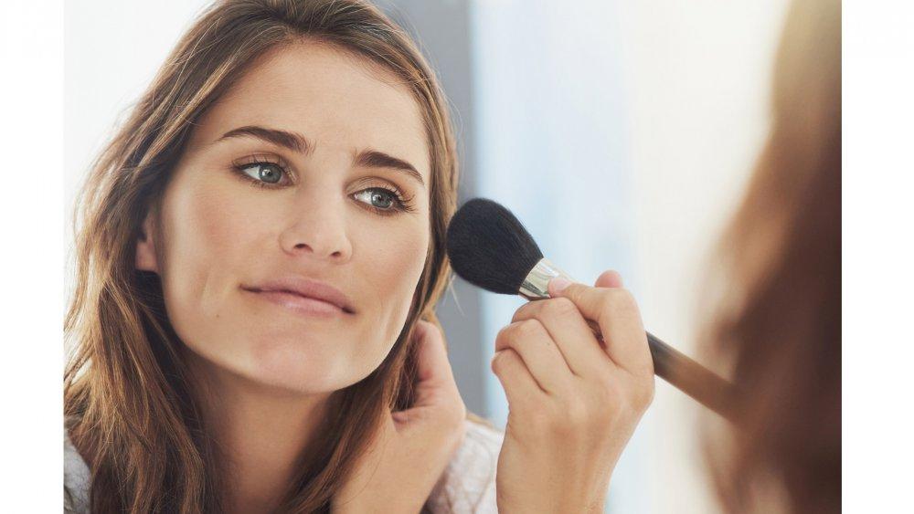 Les Astuces Maquillage Des Pros Du Make Up Adopter