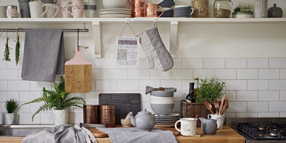 ce n est pas parce qu on a un budget aussi restreint que la surface de la cuisine qu on ne peut pas avoir une decoration a tomber