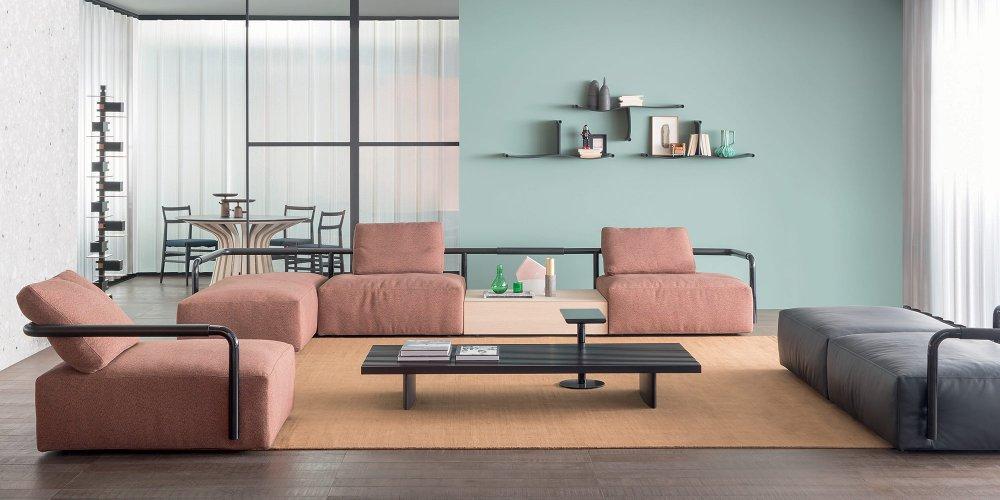 il suffit de changer les bons details une piece de mobilier une couleur de mur ou l organisation du salon voici 10 idees